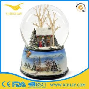 Christmas Polyresin Water Globe Resin Souvenir Snow Globe for Gift pictures & photos