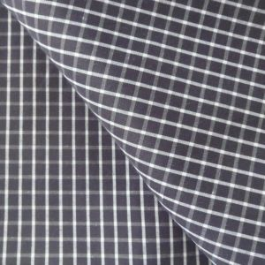 Polyester Cotton Yarn Dyed Checks Shirting Fabric pictures & photos