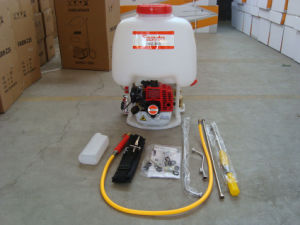 3wz-800 Knapsack Power Sprayer with Tu26 Engine pictures & photos