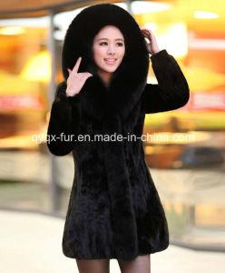Women′s 100% Genuine Mink Fur Coat with Big Fox Fur Collar
