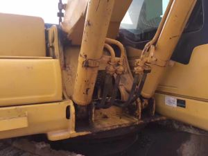 Used Good Performance Cheap Secondhand Komatsu PC200-7 Crawler Excavator PC200-6, PC200-7 pictures & photos