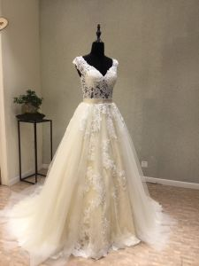 Custom Made Lace Beads Pregnant Bridal Wedding Dress pictures & photos