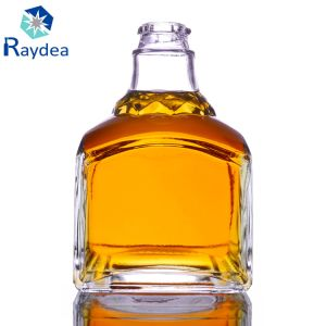 500ml Square Flint Glass Wine Bottle pictures & photos