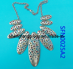 Open Casting with Acrylic Stone Pendant Necklace Fashion Jewelry (SFN0025A2)