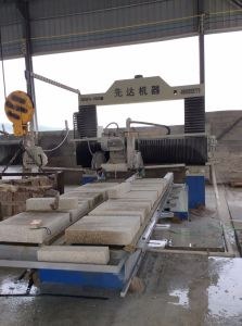 2017 New Gantry Lifting Type Stone Profile Cutting Machine pictures & photos