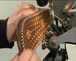 Double Thread Lockstitch Industrial Shoe Sole Stitching Machine pictures & photos