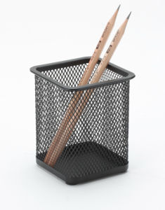 Desk Office Accessories/ Modern Desk Supplies/ Metal Mesh Stationery Pencil Holder/ Office Desk Accessories pictures & photos