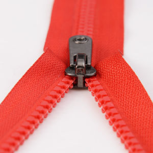 #5 Closed End Plastic Teeth Zippers pictures & photos