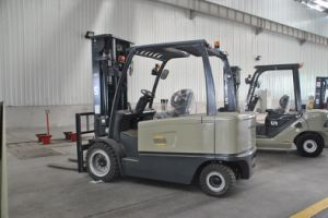 Big Capacity Electric Forklift Truck 4000 Kgs pictures & photos