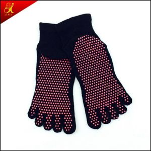 Fashion Cute Custom Sport and Outdoor Socks pictures & photos