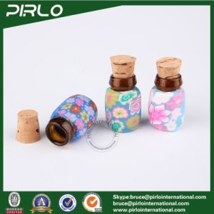 0.5ml Polymer Clay Surface Glass Cork Bottle Mini Perfume Pendant Amber Glass Vial with Wood Cork Stopper Perfume Oil Bottle pictures & photos
