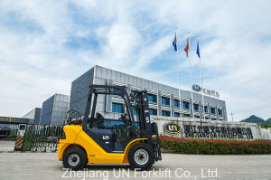 Zhejiang Un Warehouse Equipment Mini Lifting Diesel Forklift 3ton pictures & photos