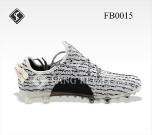 Hot Selling Comfortable Sport Soccer Shoes pictures & photos