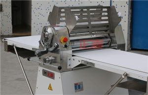 2016 Hot Sales Dough Sheeter Cutter Machine for Hotel (ZMK-650) pictures & photos