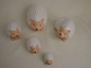 Modern Handicraft Ceramic Squirrel Figurine pictures & photos