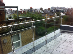 Beautiful Glass Balustrade/Fence/Railing/Banister Design pictures & photos