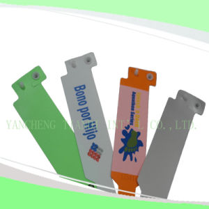 Professional Entertainment Hot Selling Custom Made Disposable Plastic Wristbands (E8020-5) pictures & photos