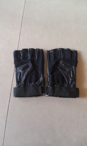 Leather Half-Finger Gloves for Training and Climbing pictures & photos
