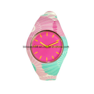 Hot Sale 2017 Kids Watch Analog Silicone Watches with Japan Movement pictures & photos