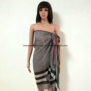 100% Polyester, Viscose Yarn Dyed Material Multifunctional Scarf with Checks, 4 Sides Fringes pictures & photos
