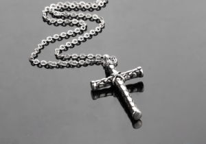 Fashion Titanium Stainless Steel Men Religious Cross Pendant Necklace Jewelry pictures & photos