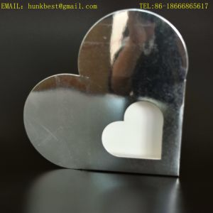 Luxury Fancy Silver Foil Cardboard Heart Shaped Wedding Packing Gift Box Chocolate Box with Clear PVC Window Can Be Folding pictures & photos