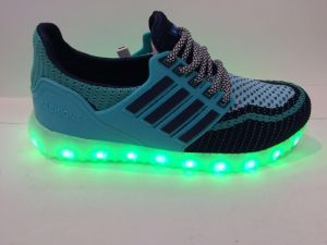 2016 New Style LED Shoes Boy; S Girl′s