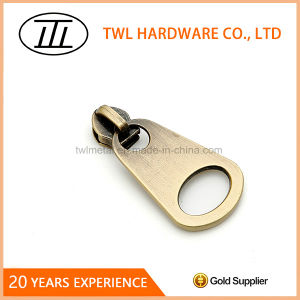 New Style Brass Zipper Puller for Garment pictures & photos