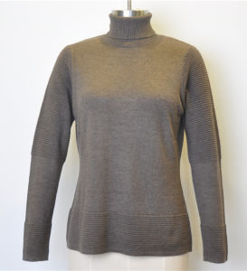 Women Mixed Stitch Turtleneck Pullover Knit Sweater pictures & photos