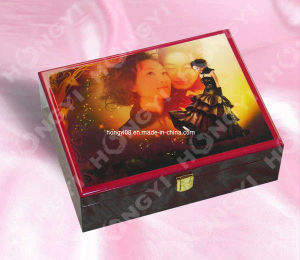 Printing Pattern High Gloss Wooden Box with Metal Lock (HYW047) pictures & photos