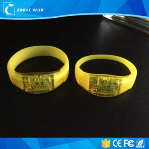 China Wholesale Customized Flashing LED Wristband pictures & photos