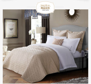 China Manufacturer Supply Quality Patchwork Bedspread Hotel Quilt pictures & photos