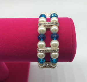 Double Row Glass Pearl Beads Diamond Bracelet (XBL13555) pictures & photos