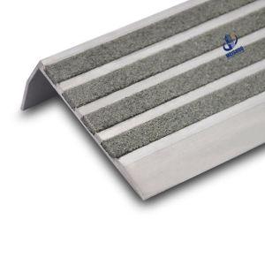 Anti Slip Carborundum Aluminum Stair Nosing pictures & photos