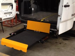 Ce Certified Wheelchair Passenger Lift for Van with Loading 300kg pictures & photos
