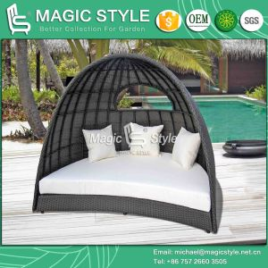 High Quality Daybed with Cushion Outdoor Wicker Daybed Patio Rattan Sun Bed (Magic Style) pictures & photos