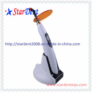 LED Curing Light of Dental Equipment pictures & photos