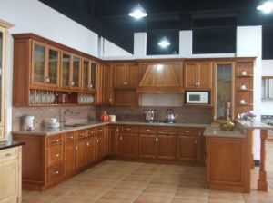 French Style American Cherry Solid Wood Kitchen Cabinet pictures & photos