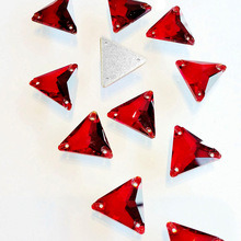 Triangle Shape Flat Back Crystal Sew on Stones pictures & photos