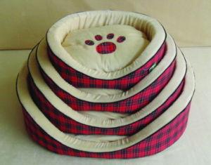 Four Size Comfortable Cheap Dog Bed Pet Plush Pet Bed pictures & photos