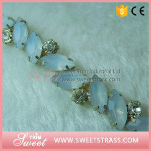 Crystal Chain Silver Claw Cup Chain Stones on Sandal pictures & photos