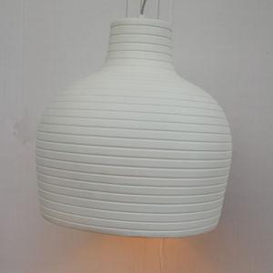 European Simple Fiberglass White Round Pendant Lamp for Hotel pictures & photos