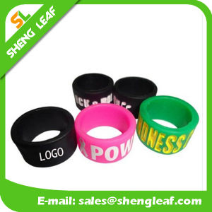 Personalized Fashion Advertising Colorful Silicone Finger Rings (SLF-SR019) pictures & photos