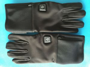 Softshell Leather Warm Heated Glove pictures & photos