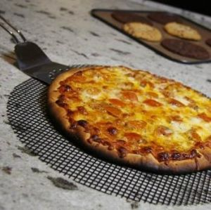 High Temperature Resist Non-Stick Pizza Mesh Tray pictures & photos