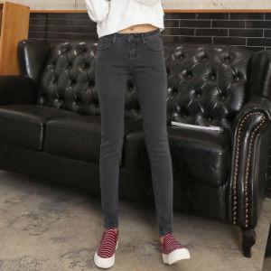 European Hot Sale Newest Design Ladies Jeans pictures & photos
