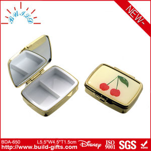 Cosmetic Mirror with Small Metal Component for Gift pictures & photos