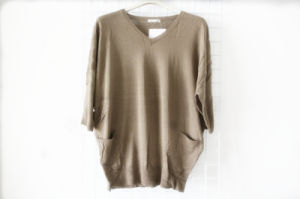 V Neck Ladies′s Knitting Clothing pictures & photos
