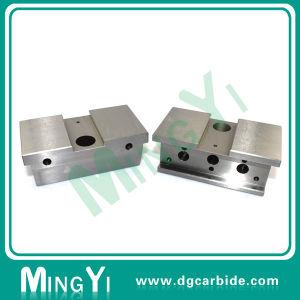 High Precision Automobile Mold Parts (UDSI0162) pictures & photos