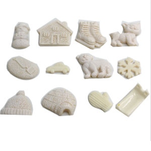 New Style DIY Therapy Magic Sand Toys with 12 PCS White Snow Pieces pictures & photos